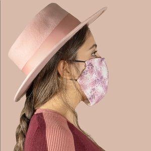 Lola Valentina Face Mask